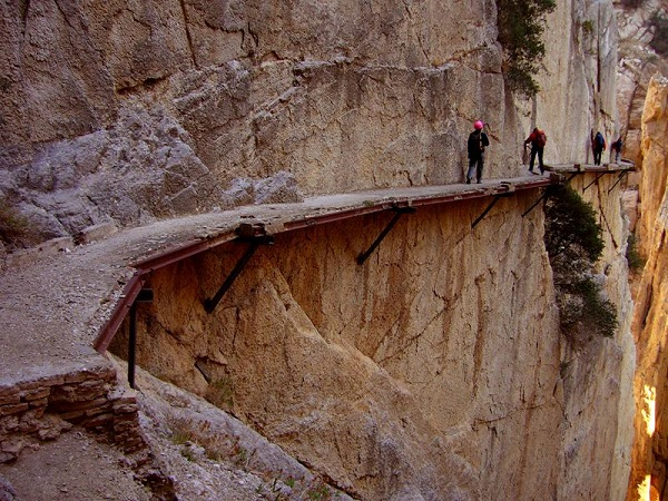 25-Most-Dangerous-Trails-04