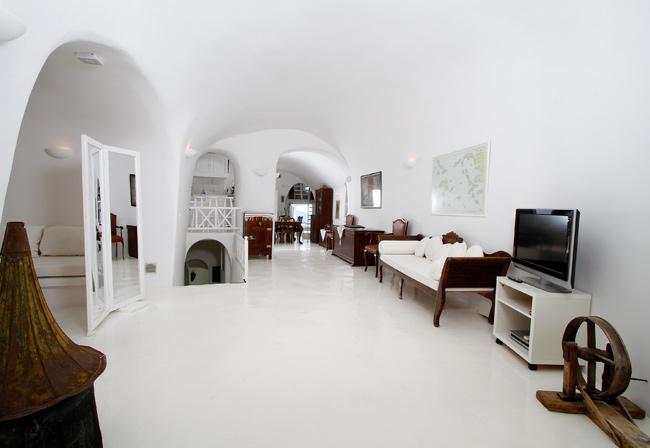 white_villa_1