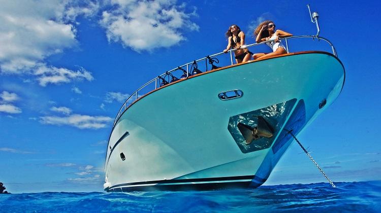 madmenmag ibiza barco