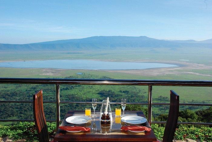 Desayuno en la terraza de Ngorongoro Wildlife Lodge