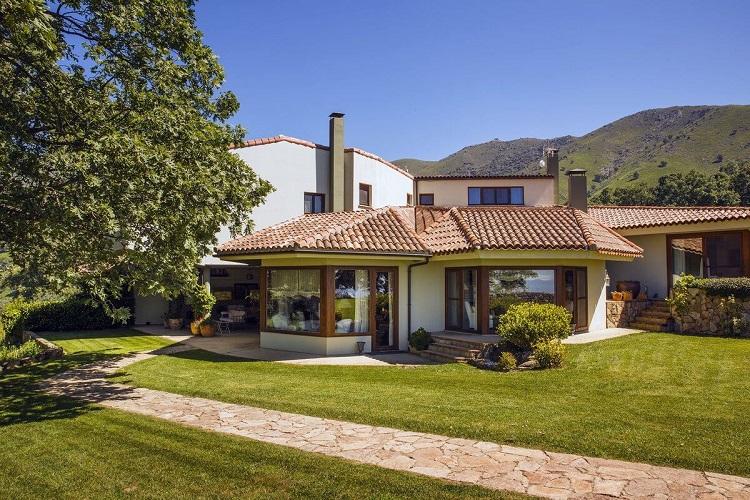 casas-rurales-espana-avila-nabia-exterior