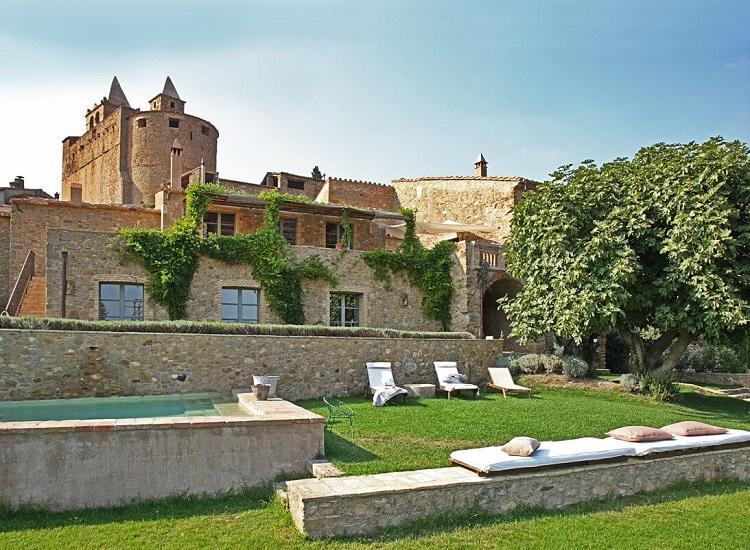 casas-rurales-espana-girona-can-bassa-exterior