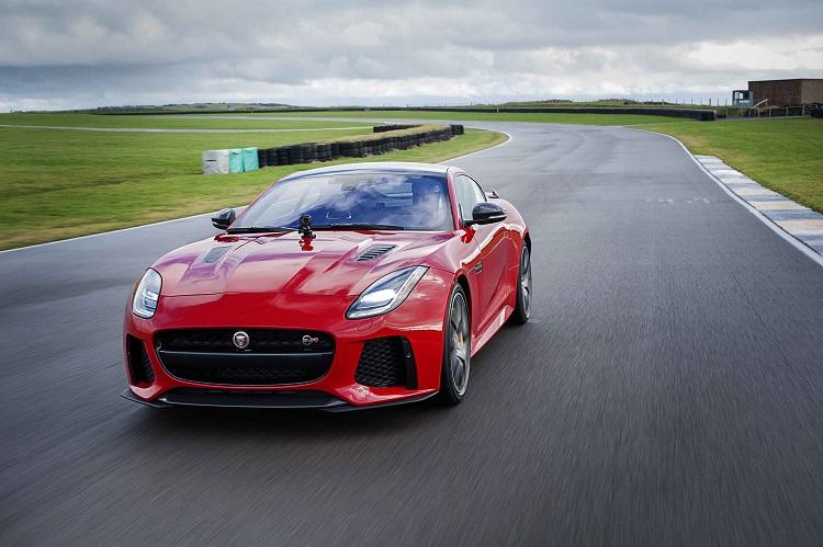 jaguar gopro rerun madmenmag app coches revista masculina 3