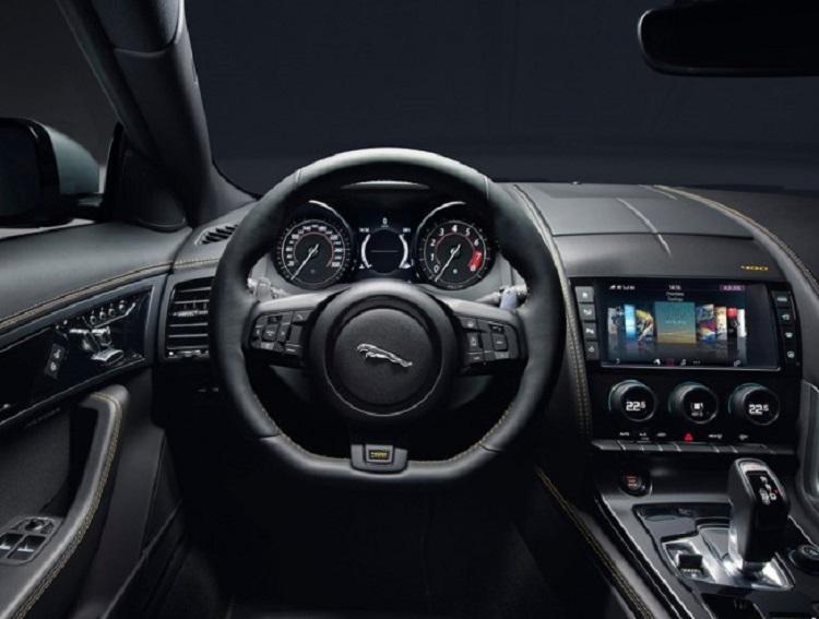 jaguar gopro rerun madmenmag app coches revista masculina 8