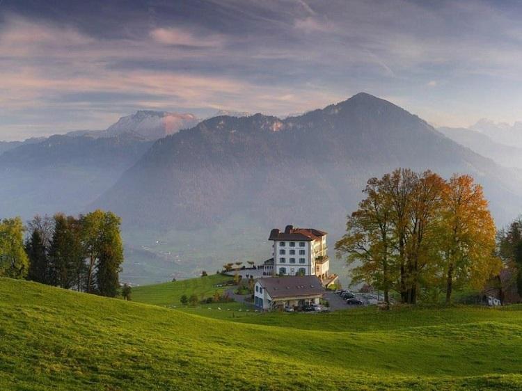 villa-honegg-los-alpes-suiza-hotel-madmenmag-viajar-11