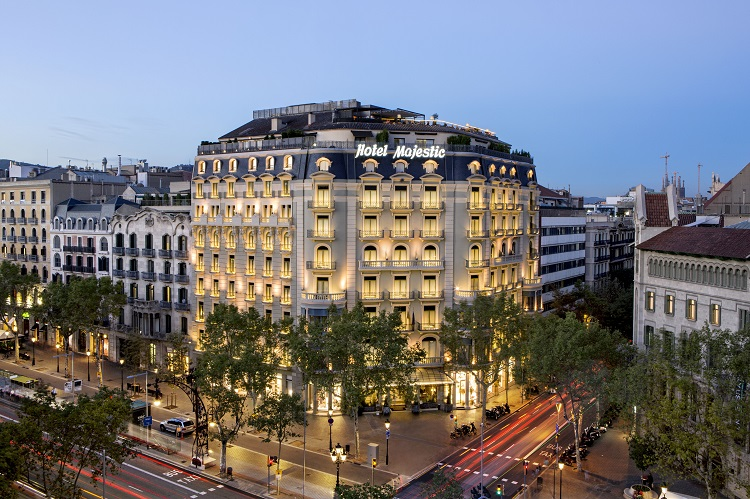 Façade MAjestic Hotel & Spa Barcelona atardecer
