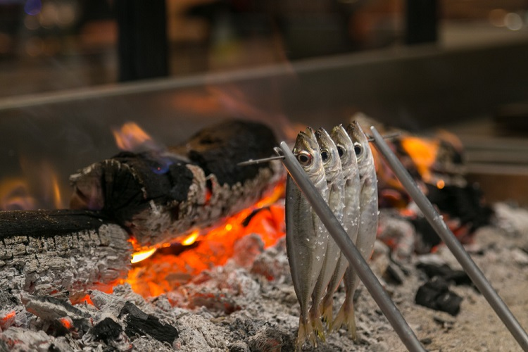 espetos dani garcia restaurante marbella lobito de mar