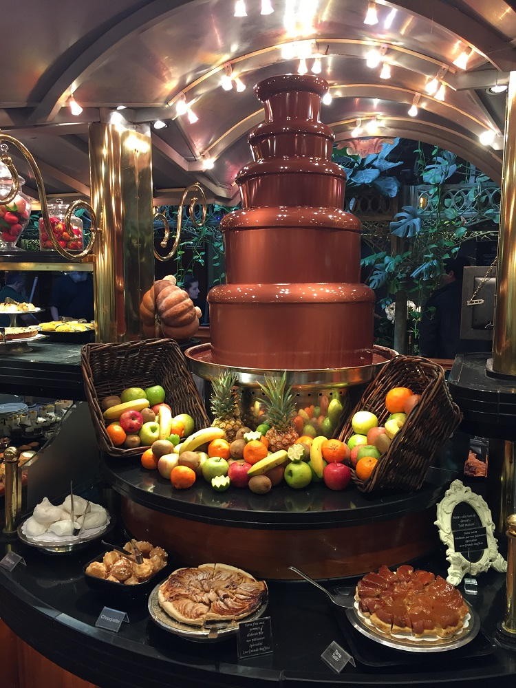 Les Grands Buffets narbonne fuente de chocolate