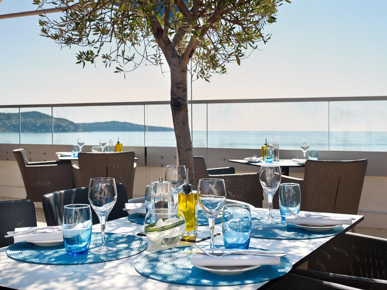 calade rooftop restaurant viajar a niza madmenmag