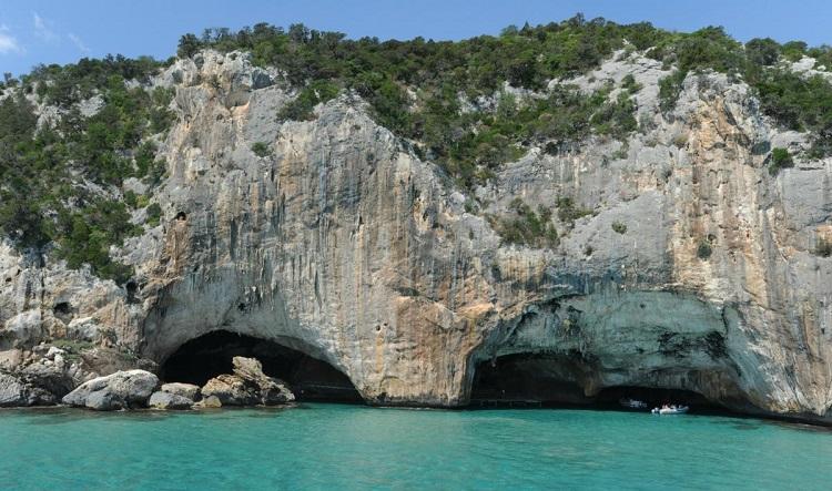 viajar a cerdeña grutas planes madmenmag