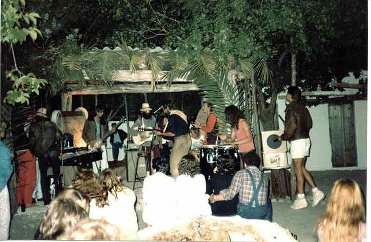 las-dalias-de-ibiza-mercadillo-hippie