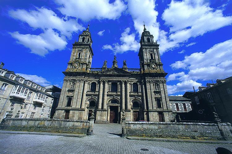 iglesias de galicia trenes turisticos de galicia
