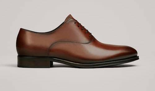 como-combinar-un-zapato-marron