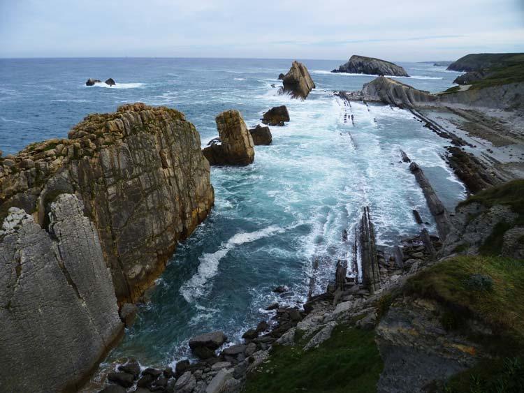 playas-de-covachos-y-la-arnia-santander-cantabria