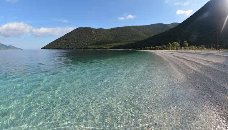 antisamos-beach-kefalonia