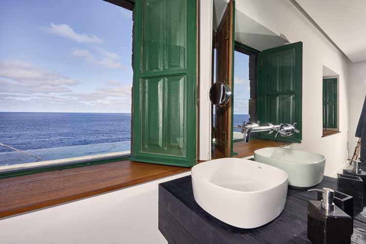 ducha-con-vistas-al-mar