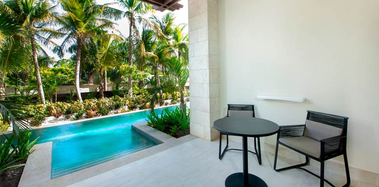 habitacion-con-piscina-privada