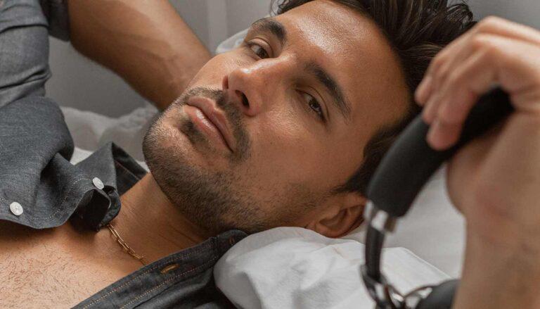 jaime-astrain-editorial-de-moda-masculina-comfy-wear-ideas-de-looks-para-teletrabajar