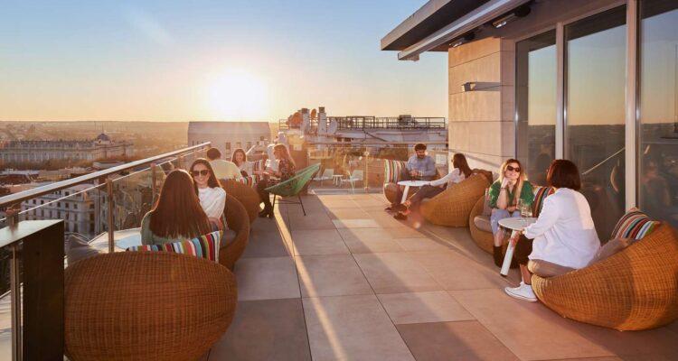 la-mejor-terraza-de-hotel-con-piscina-de-madrid