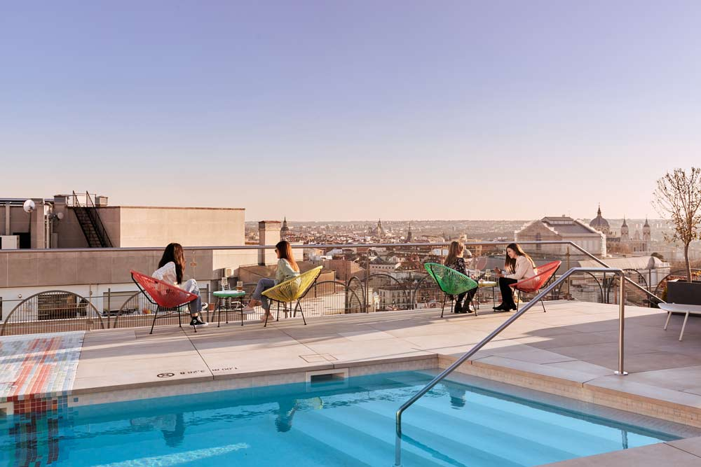 piscina-abierta-al-publico-en-el-centro-de-madrid